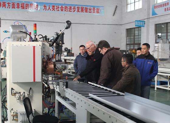 德国客户来厂收验焊接流水线