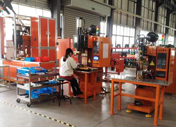安嘉大功率母排线自动钎焊机辉能现场案例