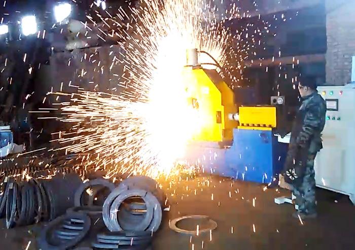 安嘉法兰闪光对焊机华阳重工机械现场案例